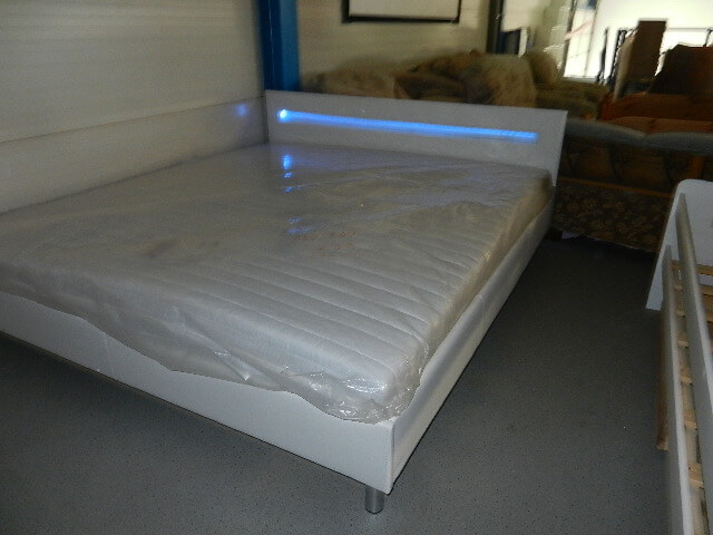 Bett weiss oder schwarz 90cm x 200 bis 180cm x 200 cm